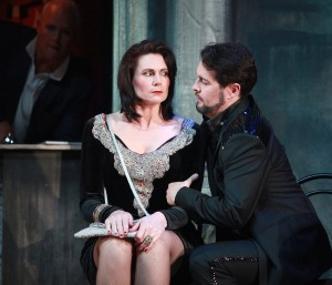 Lisa Harper-Brown and Mark Stone as Donna Anna and Don Giovanni