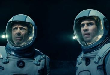 Jeff-Goldblum-and-Liam-Hemsworth-in-Independence-Day-Resurgence